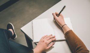 profesi menjanjikan hobi menulis