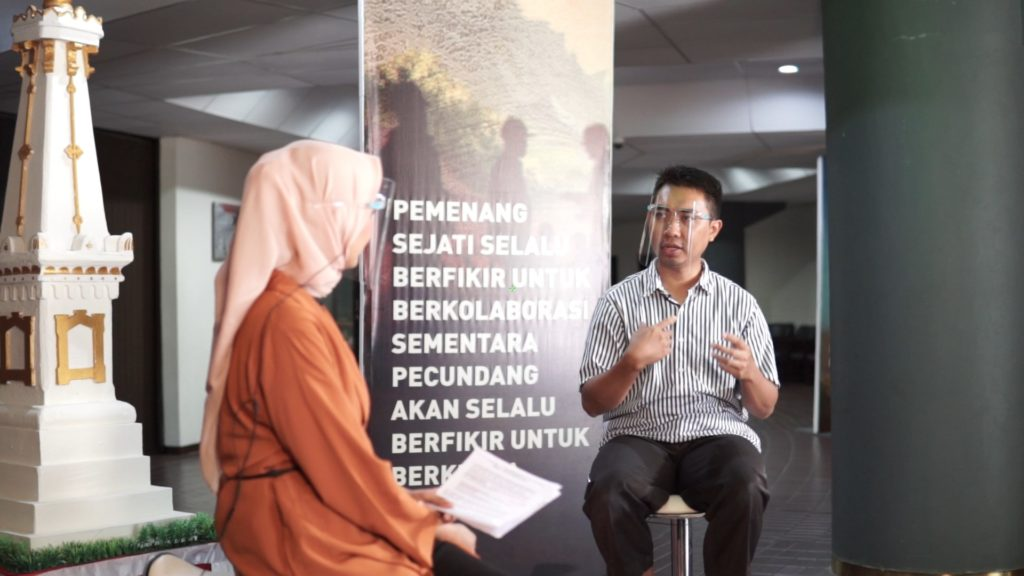 "Talkshow Youngpreneur Talks ""How To Get A Billion Under 30?"""